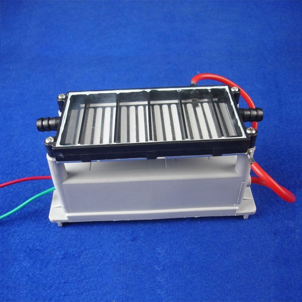 Gas-Operated Ozone Plate with Circuit